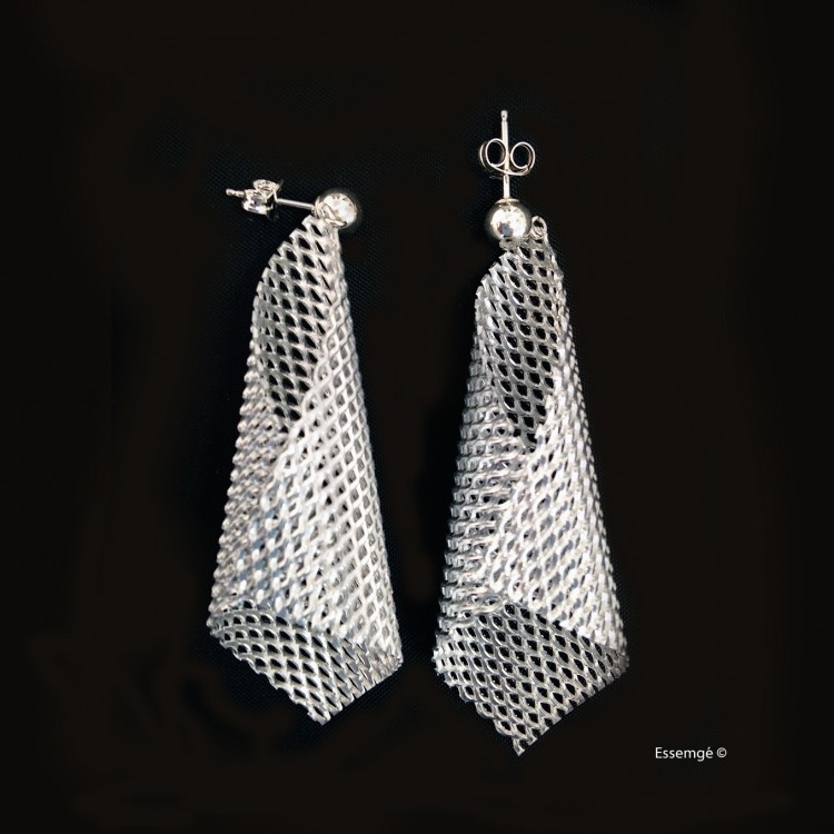 Graphic---Smart-Day2Night---Cone-Earrings